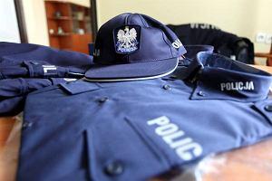 Reklamacje ws. mundur�w policji. Podeszwy si� odklejaj�