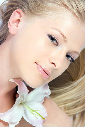 Nowo�ci: Kosmetyki naturalne Kemon ratuj� suche w�osy