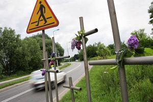 609 wypadków i 53 ofiary śmiertelne - tak było w zeszłym roku. Jak bezpiecznie dotrzeć na cmentarz i wrócić do domu?