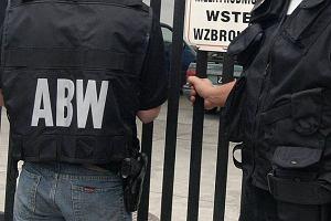 Oficer ABW podejrzany o korupcj�. Zatrzyma�o go CBA