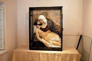Cenna XVI-wieczna płaskorzeźba odrestaurowana [WIDEO]