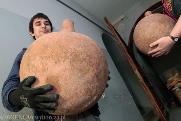 z7825444Q,Ceramiczne-butle-na-piwo--misk