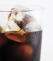 Słodkie napoje gazowane to prawdziwa tortura dla naszego organizmu