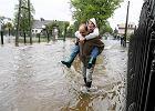Pogarsza si� sytuacja powodziowa w Polsce. Niestety ma dalej pada�