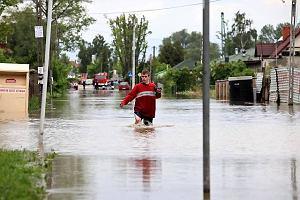 Piaseczno zalane po czwartkowej burzy. Trwa ewakuacja