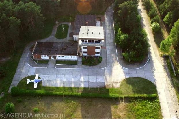 Port lotniczy w Szymanach - domniemane miejsce l�dowa� samolot�w CIA z wi�niami