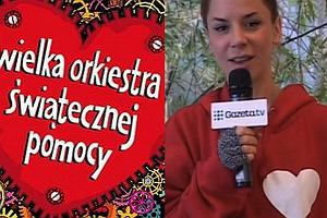Natalia Lesz przekazuje kolejną bluzę na aukcję WOŚP