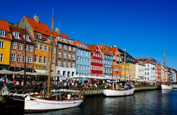kanał nyhavn, kopenhaga, dania