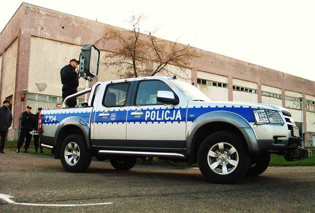 System LRAD na samochodzie policyjnym