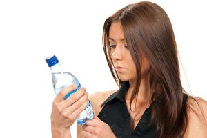 Woda z butelki: wiesz, co pijesz?