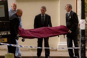 Amy Winehouse zmar�a wczoraj w swoim londy�skim domu na Camden Square prawdopodobnie z przedawkowania narkotyk�w. Jej cia�o zosta�o wyniesione z domu.
