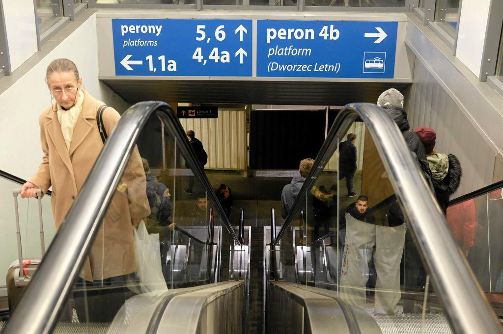 Większość pasażerów jest zdania, że nazwa pociągu powinna być związana - po prostu - z trasą, na jakiej skład kursuje (fot. Piotr Skórnicki / Agencja Gazeta)