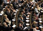 Elastyczniejsze prawo pracy przyj�te w Sejmie. B�dzie strajk zwi�zk�w zawodowych?