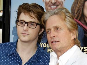 Cameron Douglas i Michael Douglas w 2009 roku