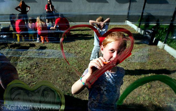 Zdjęcie numer 11 w galerii - Mieszkańcy tłumnie zawitali na piknik w sosnowieckim Domu Aniołów Stróżów [ZDJĘCIA]