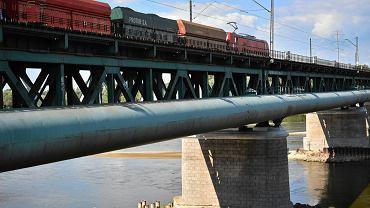 Most Gdański w Warszawie jest w złym stanie technicznym. Przez wyłącznie jednego toru opóźnienia notują pociągi