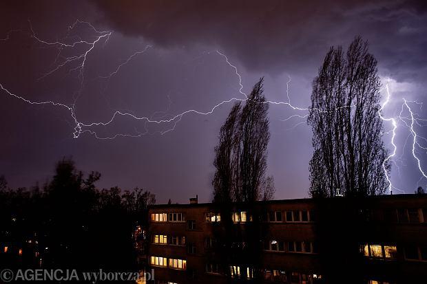 Nadciąga załamanie pogody. Gwałtowne burze i gradobicia na południu Polski