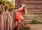 Sukienki w najmodniejszych kolorach lata [PRZEGLĄD]