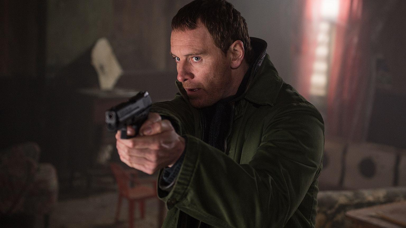 Michael Fassbender jako detektyw Harry Hole w filmie 'Pierwszy Śnieg'