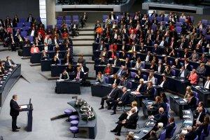 Komorowski w Bundestagu: Staj� przed wami, by za�wiadczy� o cudzie pojednania