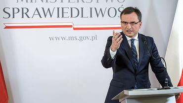 15 listopada 2017, Minister Sprawiedliwości Zbigniew Ziobro na konferencji prasowej 'Dobre 2 lata'.