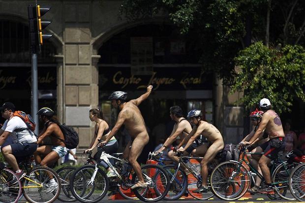 Protest nagich rowerzystów w Meksyku
