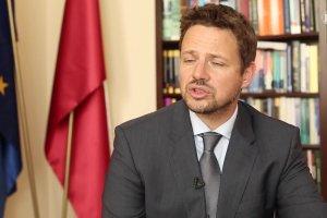 Trzaskowski: Polska chce mie� absolutn� kontrol� nad tym, ilu uchod�c�w do nas trafi