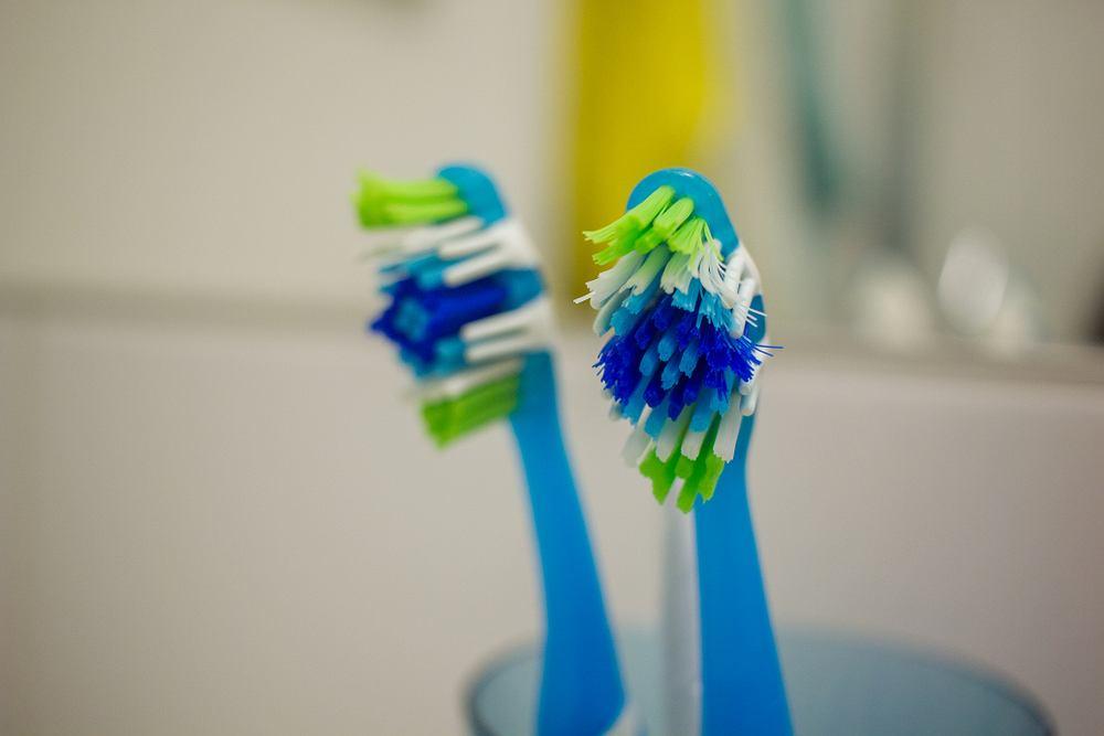 Szczoteczki do zębów powinno się wymieniać maksymalnie co 4 miesiące