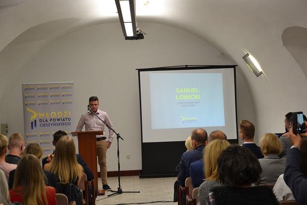 Młodzi w Cieszynie nie chcą roznosić ulotek partii politycznych. Założyli własny komitet wyborczy