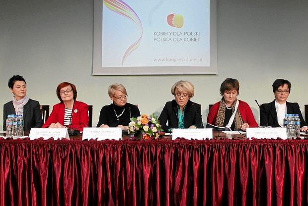 Kongres Kobiet przedstawia Gabinet Cieni złożony z samych kobiet