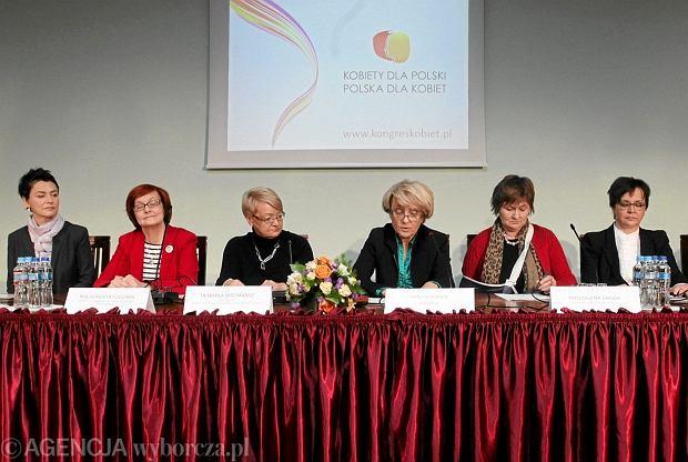 Kongres Kobiet przedstawia Gabinet Cieni z�o�ony z samych kobiet