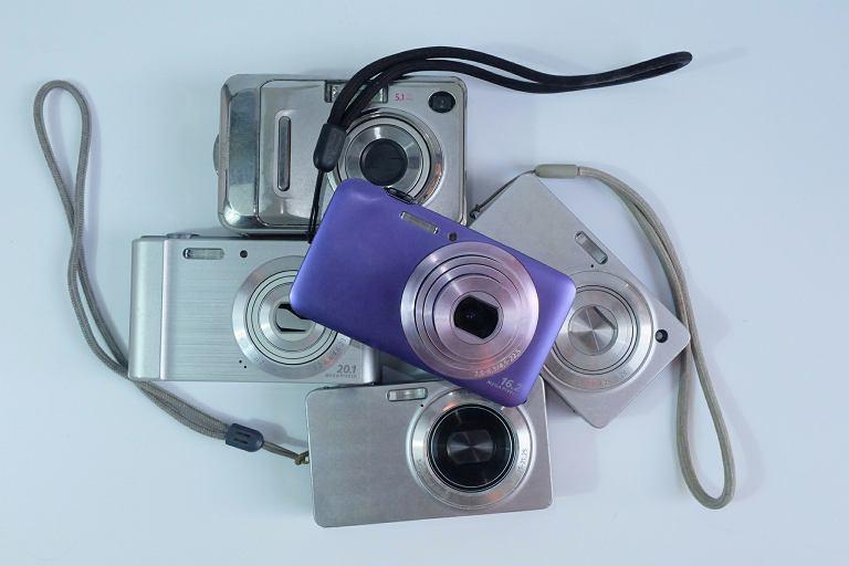 Aparaty kompaktowe - sprzęt idealny dla tych, którzy zdjęcia robią okazjonalnie