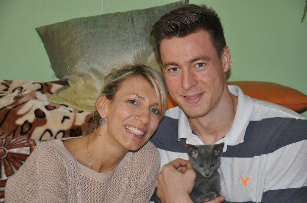 Jochen Schops z żoną i kotem