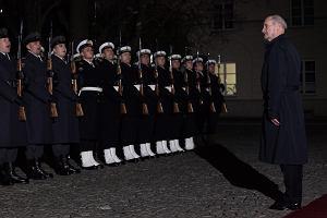 Priorytety MON wed�ug Macierewicza: Liczniejsza armia, system dowodzenia, rozbudowa obrony terytorialnej