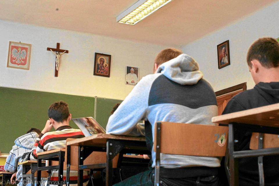 Uczniowie jednego z lublińskich gimnazjów podczas lekcji religii.