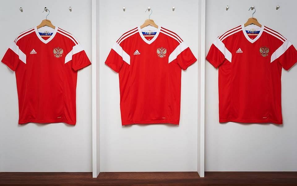 9eb9b8404 Fenomenalne koszulki na przyszłoroczny mundial. Hiszpanie spotkali ...