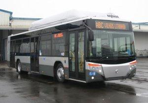 http://bi.gazeta.pl/im/41/c7/f1/z15845185M,Autobus-Castrosua-dostarczony-kilka-tygodni-temu-d.jpg
