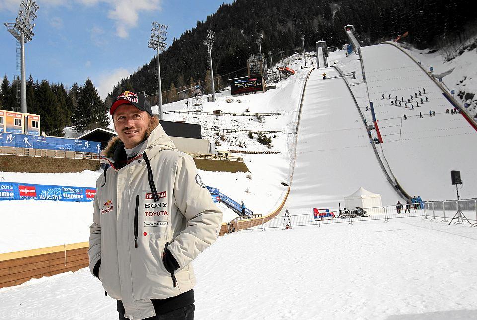 27.02.2013 r. Adam Małysz na skoczni w Predazzo. Dziesięć lat wcześniej zdobył tutaj dwa złote medale podczas mistrzostw świata w skokach narciarskich