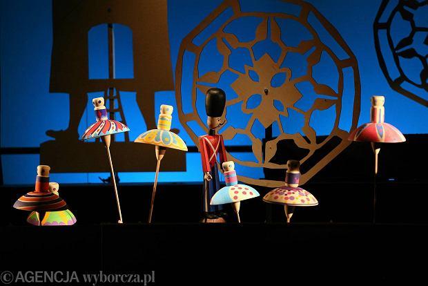 """Jaros�aw Kilian o """"Krzesiwie"""" Andersena. Premiera w Teatrze Lalka"""