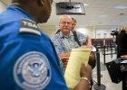 Amerykanie obawiaj� si� eboli. Pi�� lotnisk na wschodnim wybrze�u wprowadza zaostrzone kontrole pasa�er�w