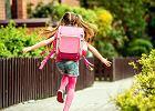 Tornister na kółkach lepszy niż plecak? Co jest najzdrowsze dla kręgosłupa dziecka?