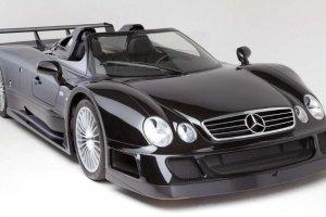 Aukcje   Mercedes CLK GTR Roadster   Czarna owca