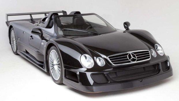 Aukcje | Mercedes CLK GTR Roadster | Czarna owca