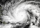 Tajfun Hagupit uderzy jutro. Dziesi�tki tysi�cy Filipi�czyk�w uciekaj� przed nadchodz�c� katastrof�