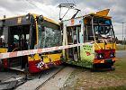 Wypadek w Łodzi. Autobus uderzył w tramwaj. Jest wielu rannych
