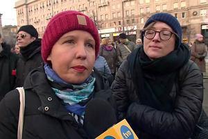"""""""Władza coraz bardziej ogranicza prawa kobiet"""". Demonstracja na placu Konstytucji w Dzień Kobiet"""