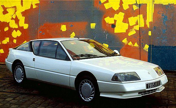 Najwięcej wyprodukowano modelu V6 Turbo z silnikiem bez katalizatora - 4082 sztuk. Le Mans powstało tylko 325 egzemplarzy