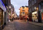 Dublin Temple Bar. Tutaj bawi si� Irlandia