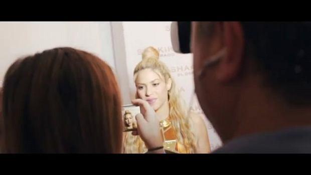 """Shakira błyszczała na premierze swojej najnowszej płyty """"El Dorado"""". Wszystkich zachwyciła nie tylko swoją sukienką, ale również niezmiennym błyskiem w oku."""