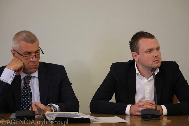 """Operacja """"Młody Tusk"""". - Cześć Marcin, jak mogę pomóc..."""